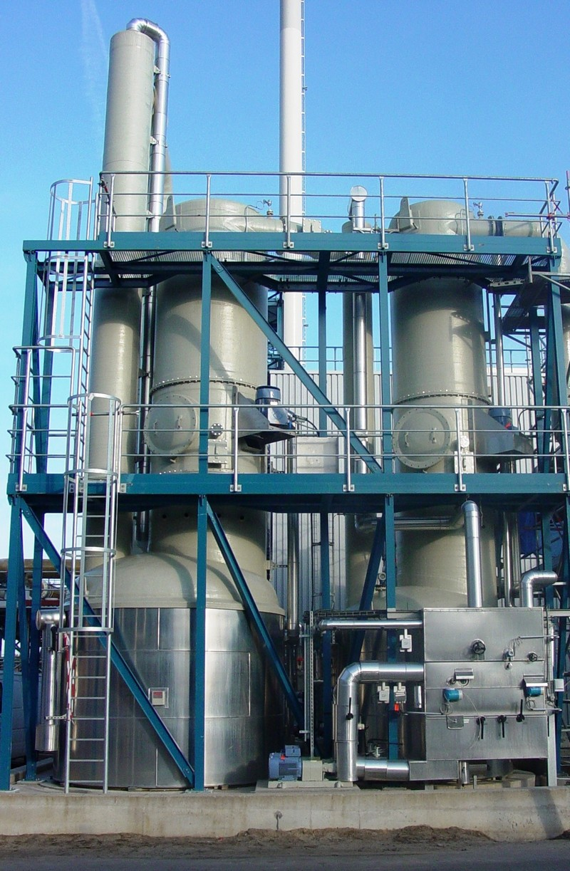 Two-line rotary scrubbers for gas cleaning of chemical production